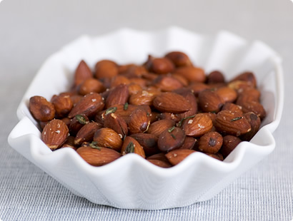 Herb-spiced toasted almonds